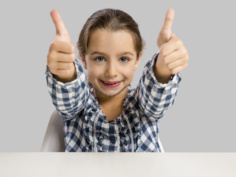 Glückliches kleines in der Schule stockbild