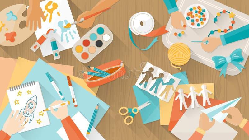 Glückliches kreatives Kinderspielen lizenzfreie abbildung