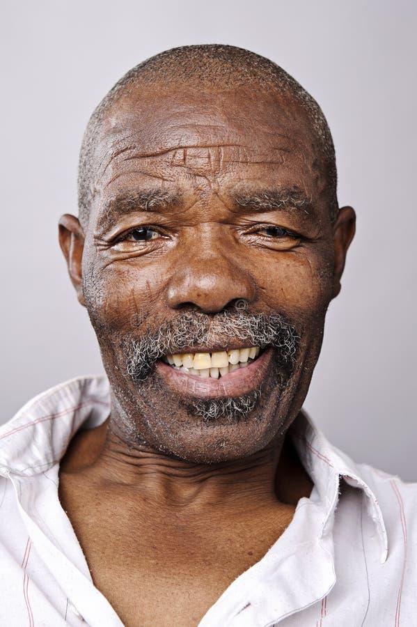 Glückliches lächelndes Portrait lizenzfreies stockbild