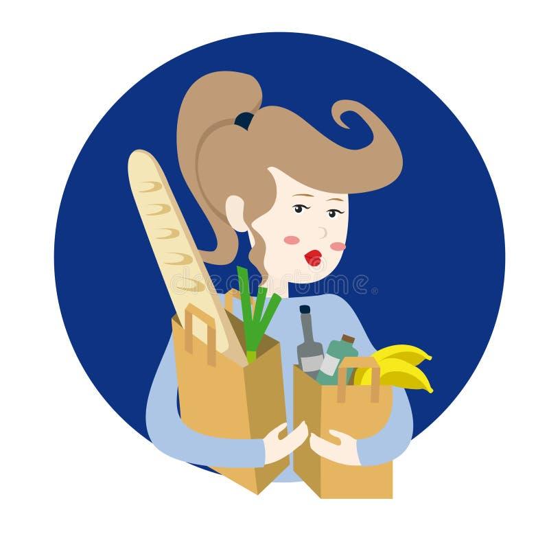 Glückliches Mädchen, das zwei Papiereinkaufstaschen, Brot, Frucht und veg hält lizenzfreie stockbilder