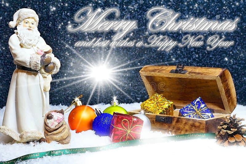 glückliches Mädchen mit Reisenfall Frohe Weihnachten Abbildung kann als Hintergrund benutzt werden Weihnachts-Karte mit Santa Cla stockfotografie