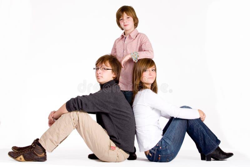 Glückliches Portrait von 3 Kindern lizenzfreie stockbilder