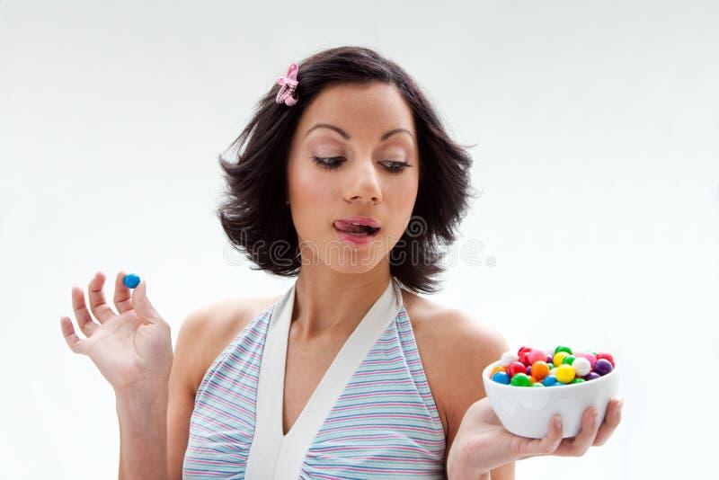 Glückliches Süßigkeitmädchen lizenzfreies stockfoto