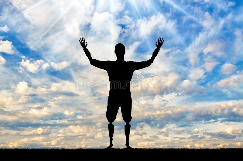 Glückliches Schattenbild eines behinderten Mannes mit den prothetischen Händen und den Füßen lizenzfreie stockfotos
