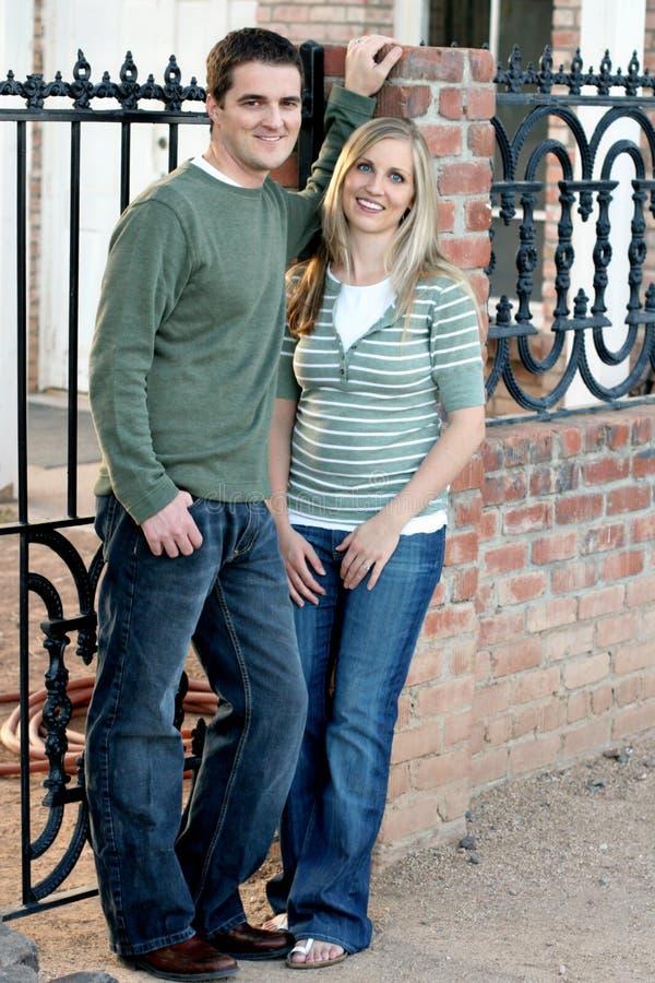 Glückliches verheiratetes Paar stockbilder
