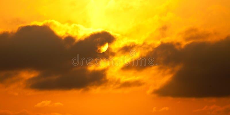 Glühende Sonne und Hitze stockbilder