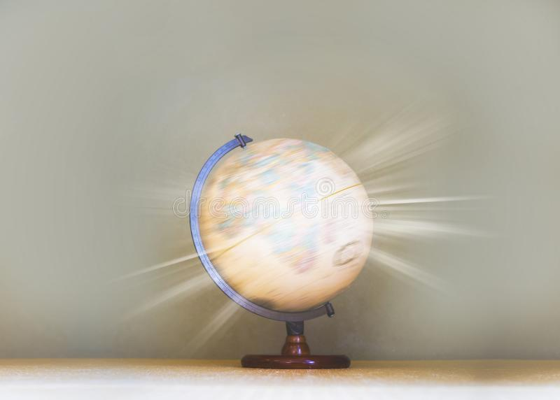 Glühendes Licht filterte auf spinnendem Kugelmodell, Welt-environmen stockfotos