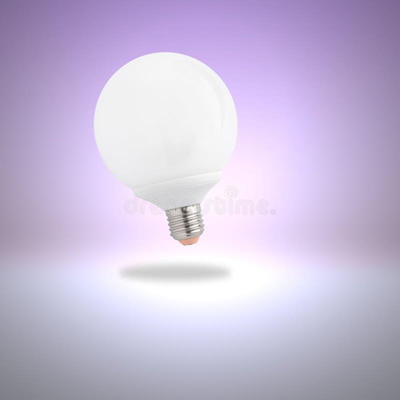 Glühlampe auf violettem Hintergrund stockfotografie