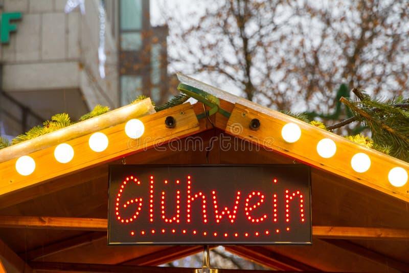 Glühweinstand in München stockfotos