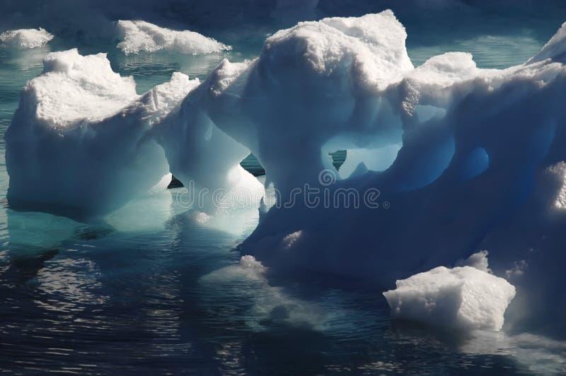 Glace antarctique de fonte images stock