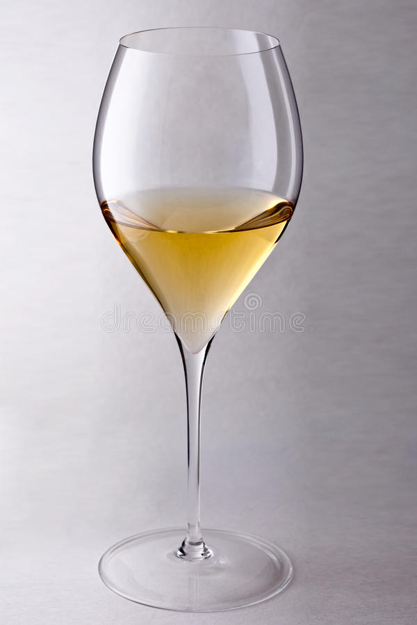 Glace avec du vin blanc photos stock
