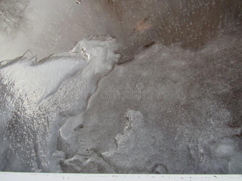 Glace congelée de piscine photographie stock libre de droits