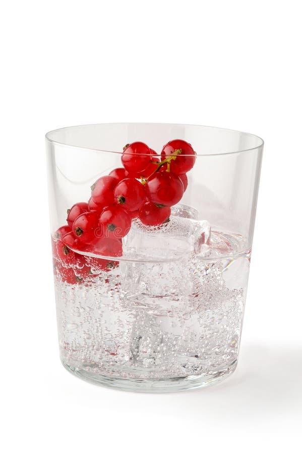 Glace de l'eau avec de la glace photographie stock libre de droits