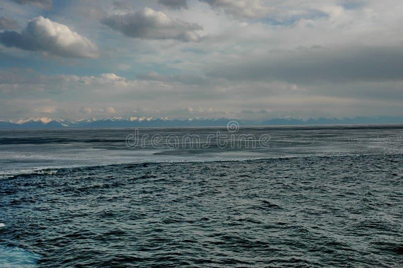 Glace de rivage et eau libre images libres de droits