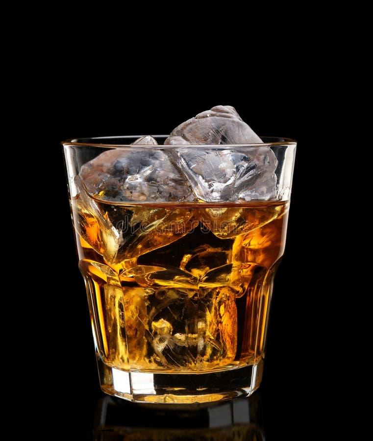 Glace de whisky écossais et de glace image libre de droits
