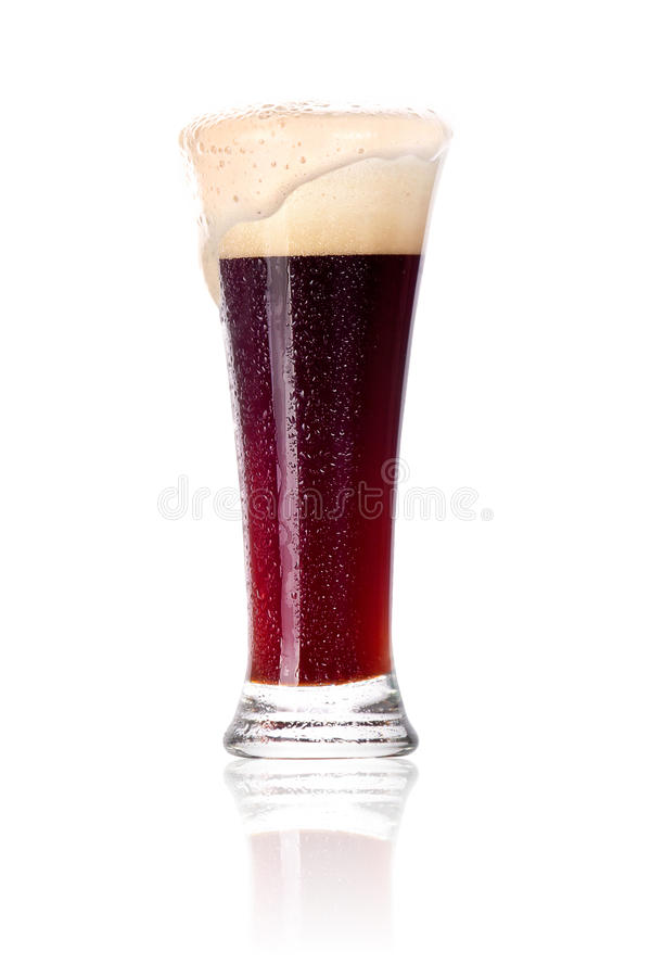 Glace givrée de bière foncée images stock
