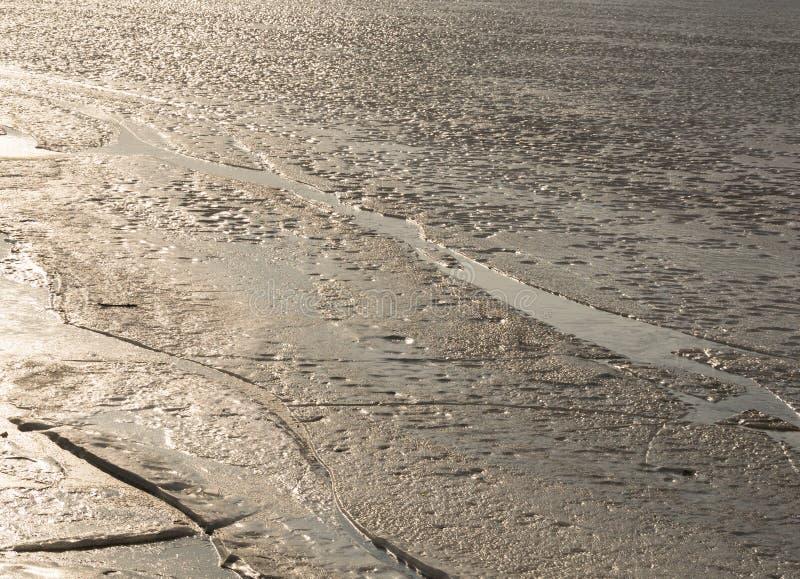 Glace sur la rivière photos libres de droits