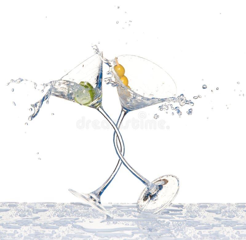 Glaces de danse avec martini photographie stock libre de droits