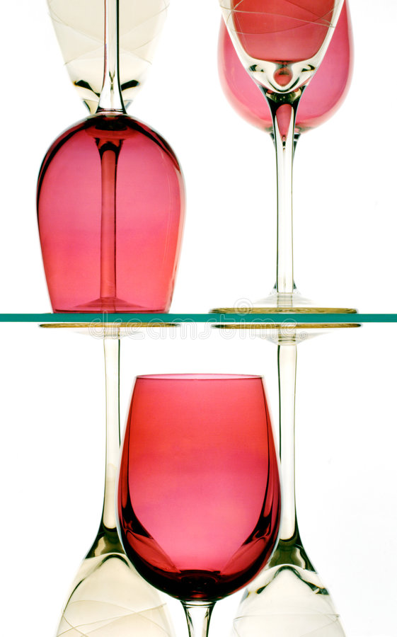 Glaces de vin rouge et blanc photo stock