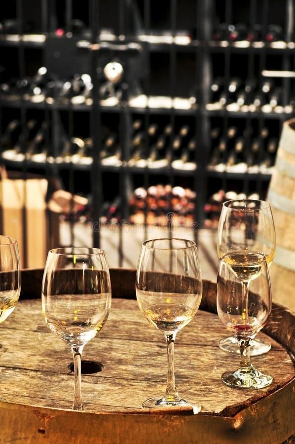Glaces et barils de vin images libres de droits