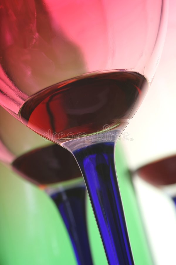 Glaces et bouteille de vin images libres de droits