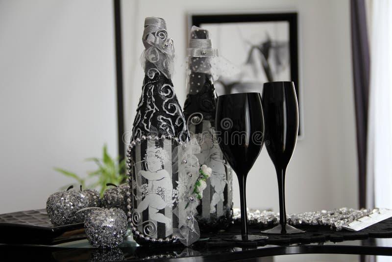 Glaces exclusives de noir de bouteille images stock