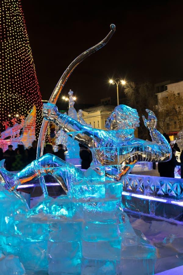 Glacez la ville avec des sculptures dans la ville d'Iekaterinbourg, 2016 images stock
