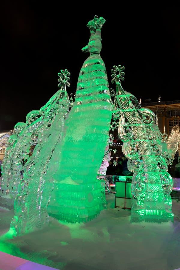 Glacez la ville avec des sculptures dans la ville d'Iekaterinbourg, 2016 photos libres de droits