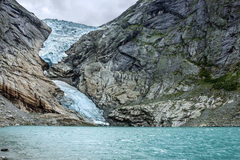 Glaciär Briksdal, Norge Naturligt landskap, nationalpark Jostedalsbreen arkivfoto