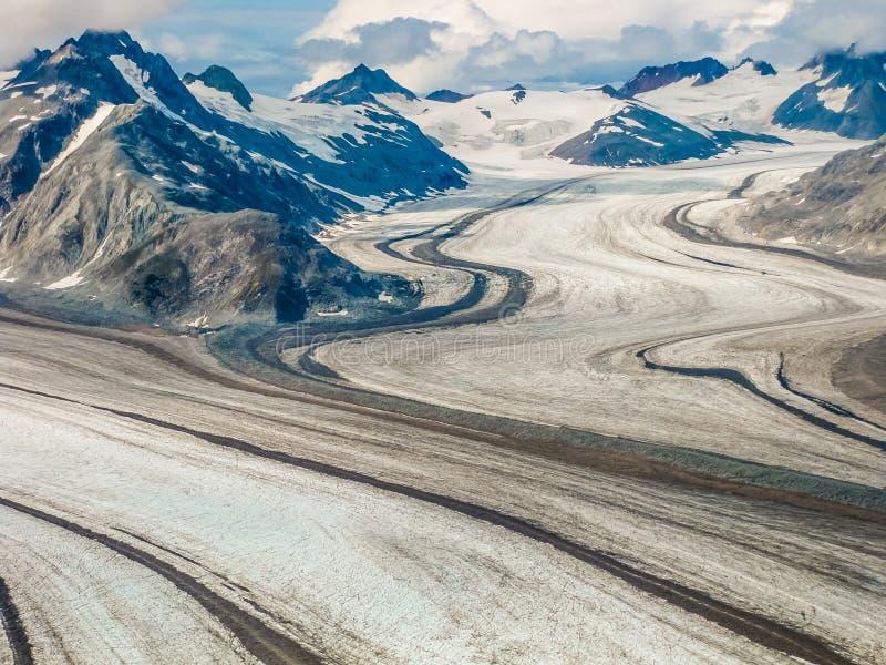 Glaciär i bergen av den Denali nationalparken, Alaska royaltyfria foton