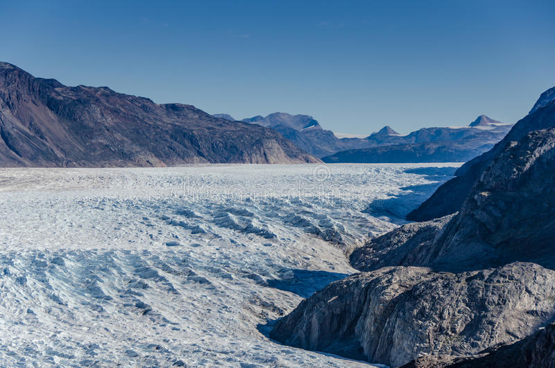 Glaciär i en solig dag nära Narsarsuaq royaltyfri bild