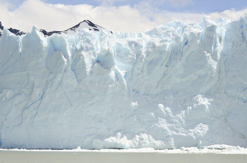 GLACIÄR OCH GLOBAL UPPVÄRMNING PERITO MORENO I PATAGONIA ARGENTINA FÖR EL CALAFATE royaltyfri foto