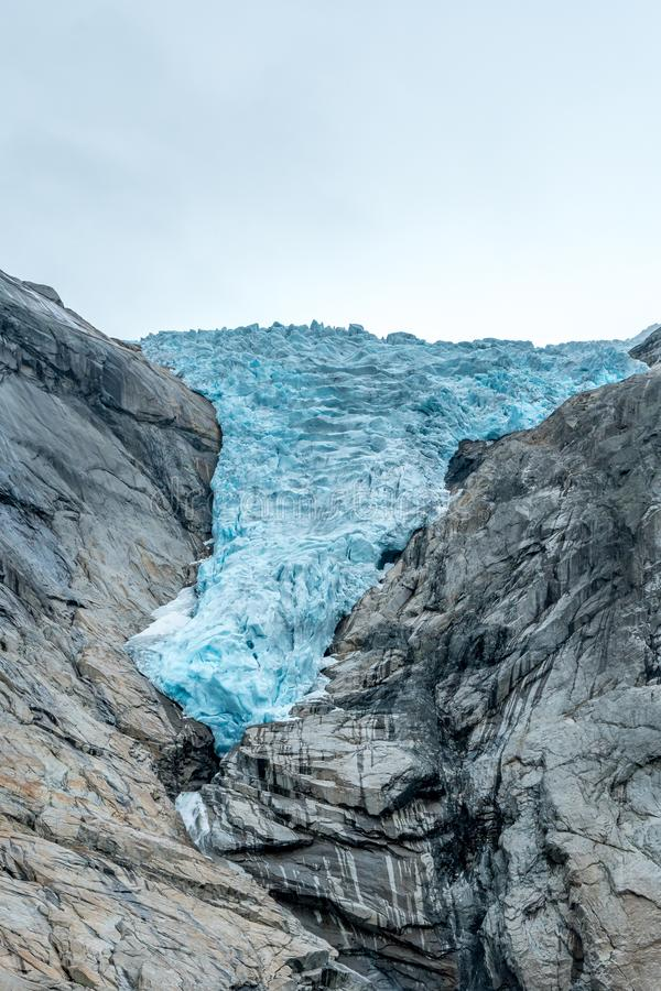 Glaciär som får mindre och mindre royaltyfri foto