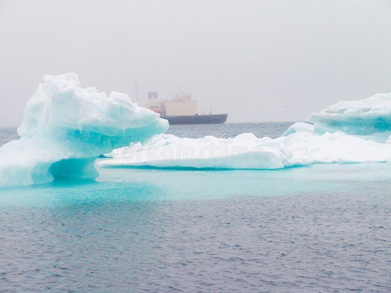 Glaciärer och isberg royaltyfria foton
