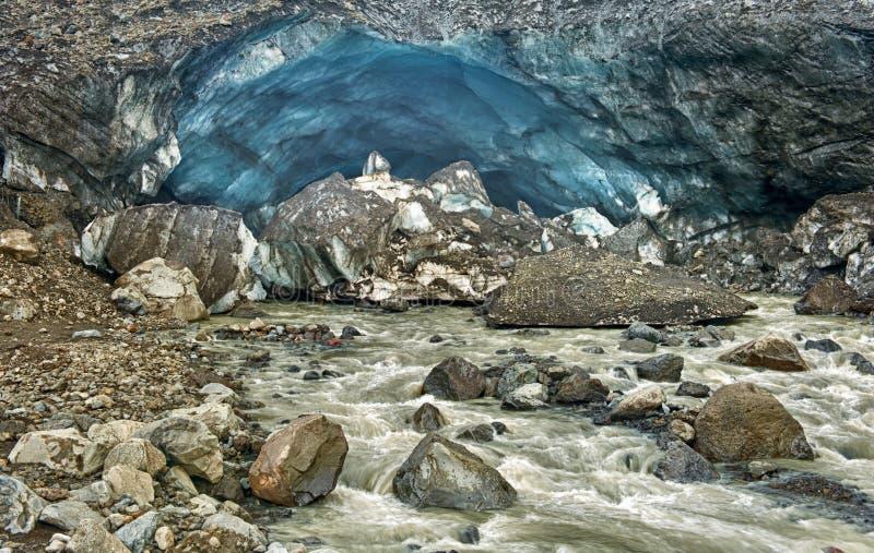 Glaciärisgrotta på Kverkfjoll royaltyfri foto