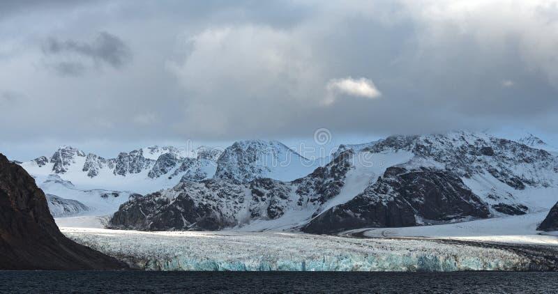 Glaci?rer av Svalbard/Spitsbergen arkivfoton