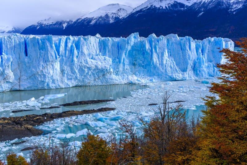 Glaciar de Perito Moreno en la Argentina imagenes de archivo