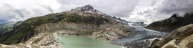 Glaciar de Rhone en Suiza en las montañas fotografía de archivo