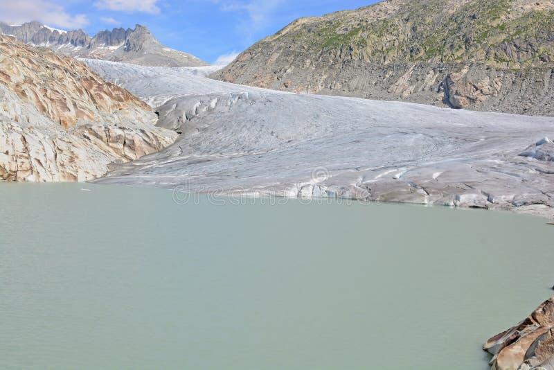 Glaciar de Rhone y lago glacial imágenes de archivo libres de regalías