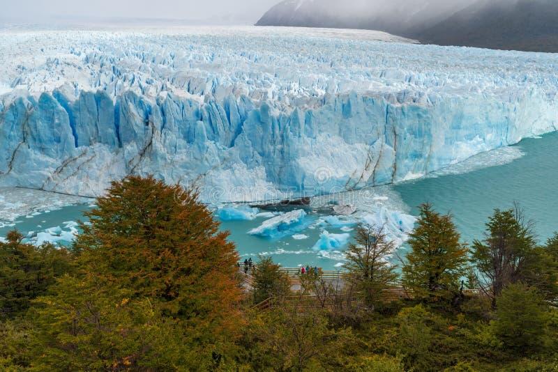 Glaciar Perito Moreno en el parque nacional del Los Glaciares en abril La Argentina, Patagonia fotografía de archivo libre de regalías