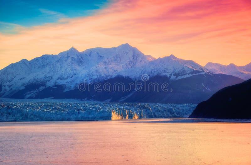 Glaciar y salida del sol de Hubbard imagen de archivo