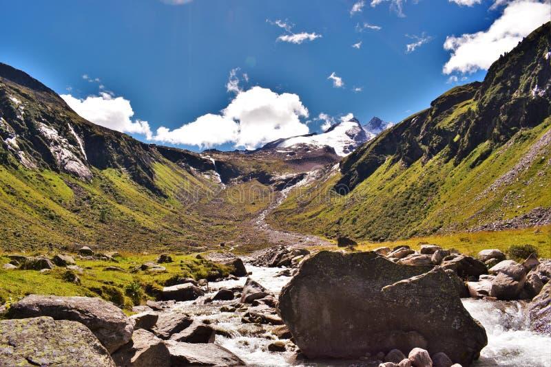 Glaciar y valle de Reichenbachspitze imagenes de archivo