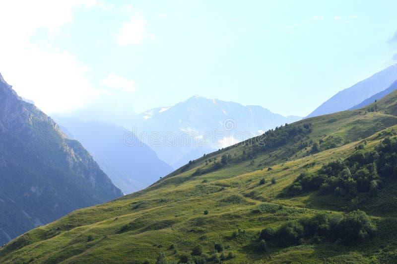 Glaciares de la montaña del Cáucaso Fiagdon foto de archivo libre de regalías