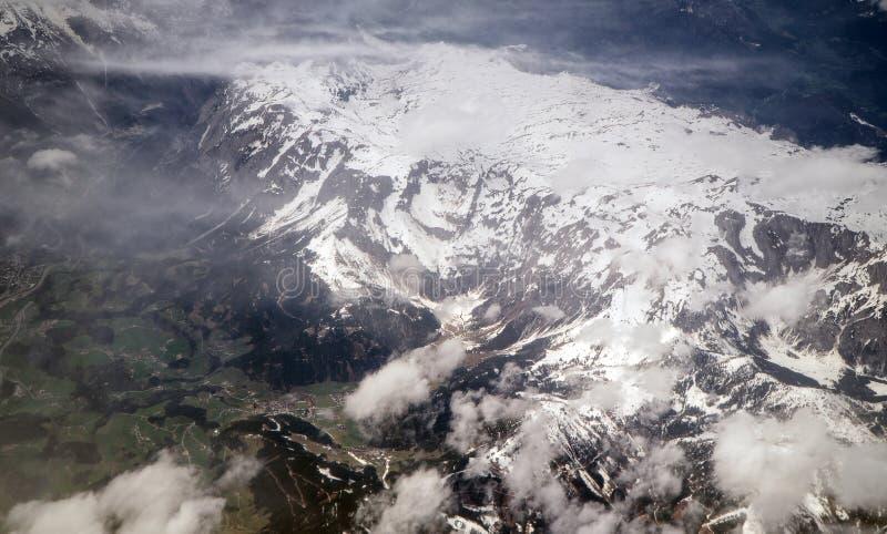 Glaciares en las monta?as imágenes de archivo libres de regalías
