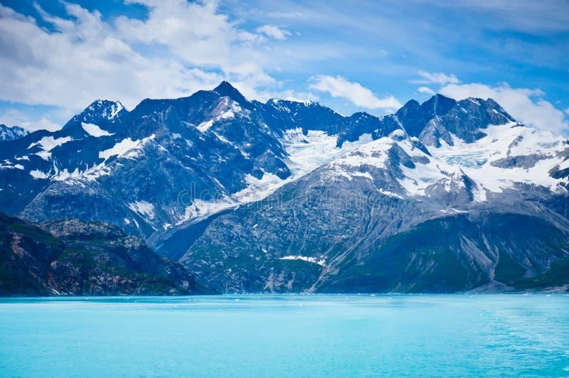 Glacier Bay in den Bergen in Alaska stockfoto