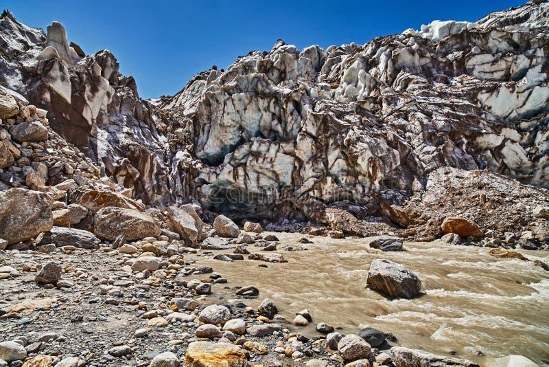 Glacier de Gaumukh, source du Gange image stock