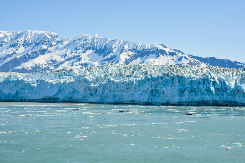 Glacier de Hubbard un jour nuageux photographie stock