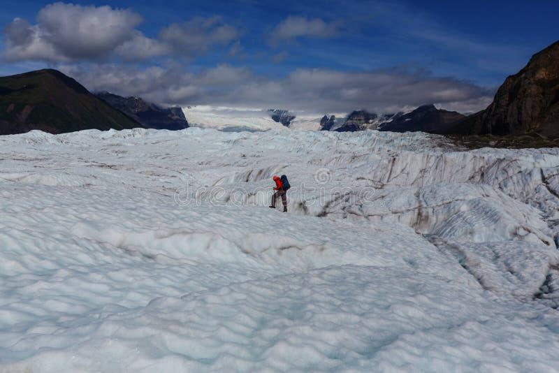 Download Glacier de Kennicott photo stock. Image du expédition - 76076500