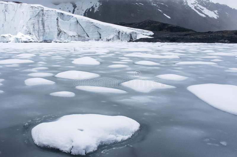 Glacier de Pastoruri dans Blanca de Cordillère, Pérou photos libres de droits