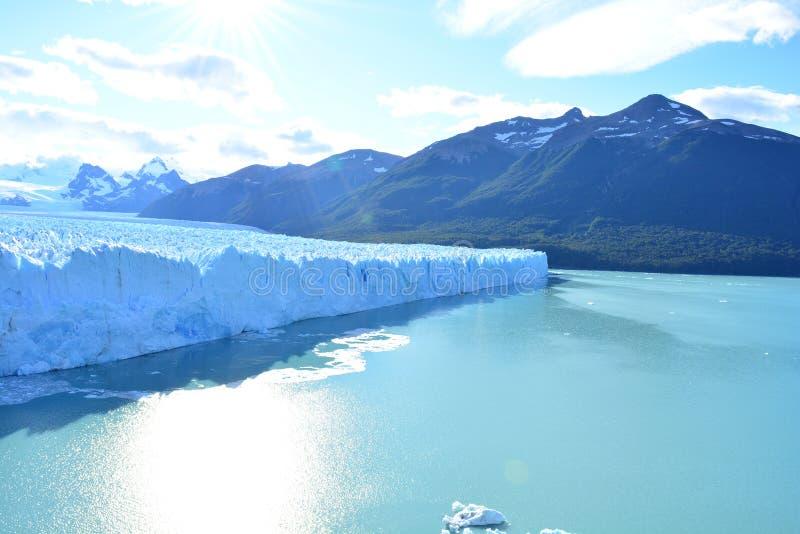 Download Glacier De Perito Moreno En EL Calafate, Argentine Photo stock - Image du glacier, backpacking: 87703364